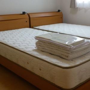 【ベッド】様々なデザインのベッドフレーム、快適な睡眠を約束するマットレス。マットレスとフレームの組み合わせも自由自在。マットレス単品での販売も好評です。オリジナルベッド定価の60%オフ